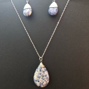 Woman's Tear Drop Blue Stone Necklace and earrings